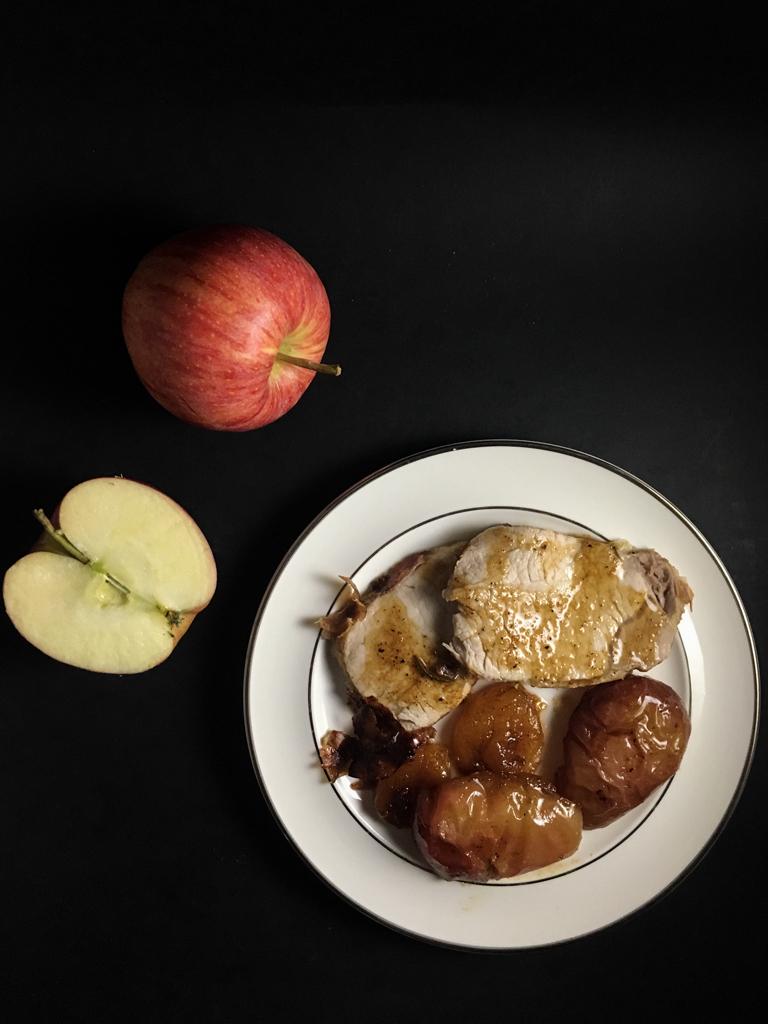 lonza di maiale con mele e albicocche secche presentazione