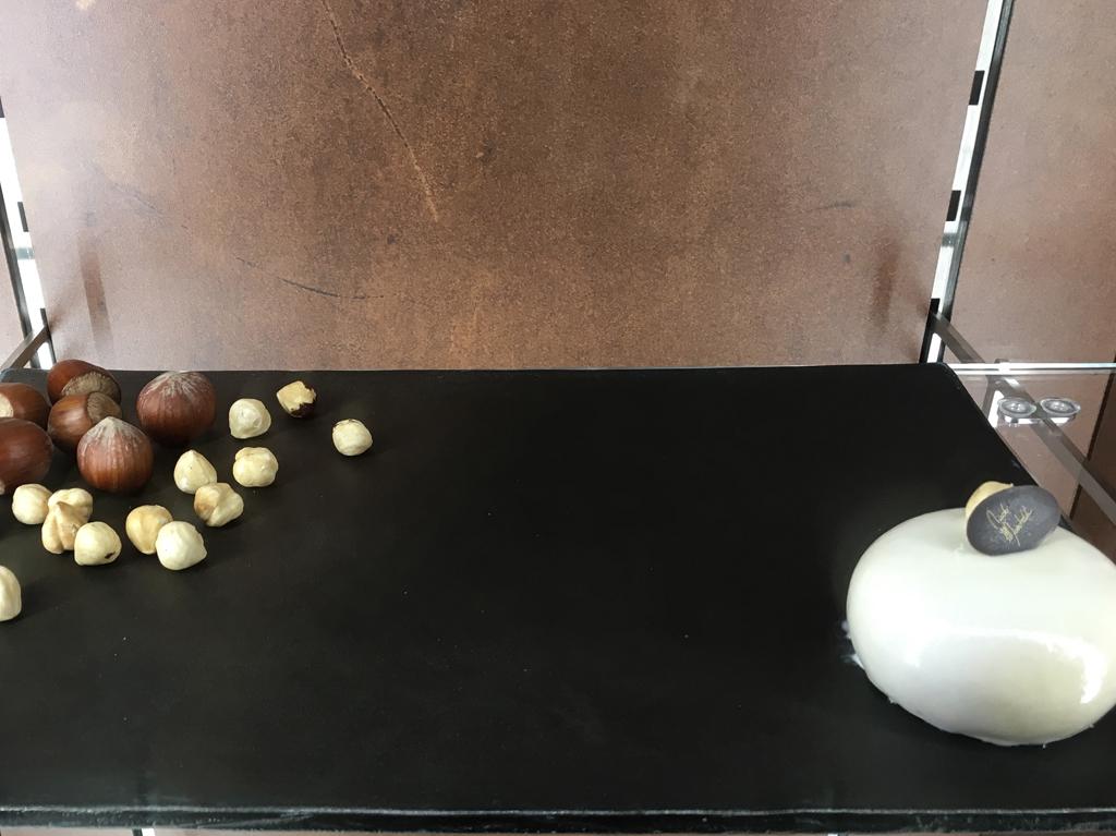 nicolo' moschella opere d'arte in pasticceria nocciolino