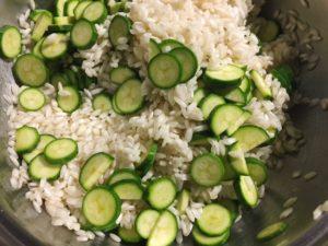 risotto ai fiori di zucchine gourmama tostatura riso e aggiunta zucchine