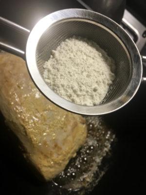 arrosto di vitello alla senape aggiunta farina