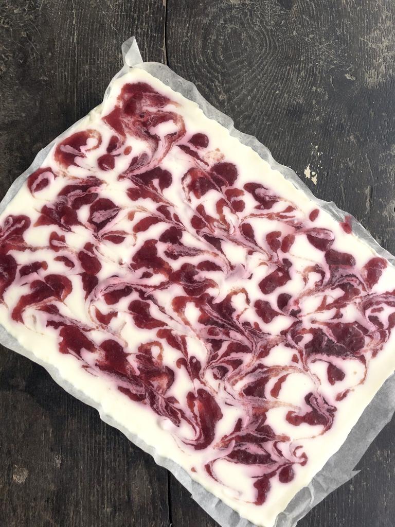 barrette di cheesecake ai frutti rossi gourmama preparazione_14