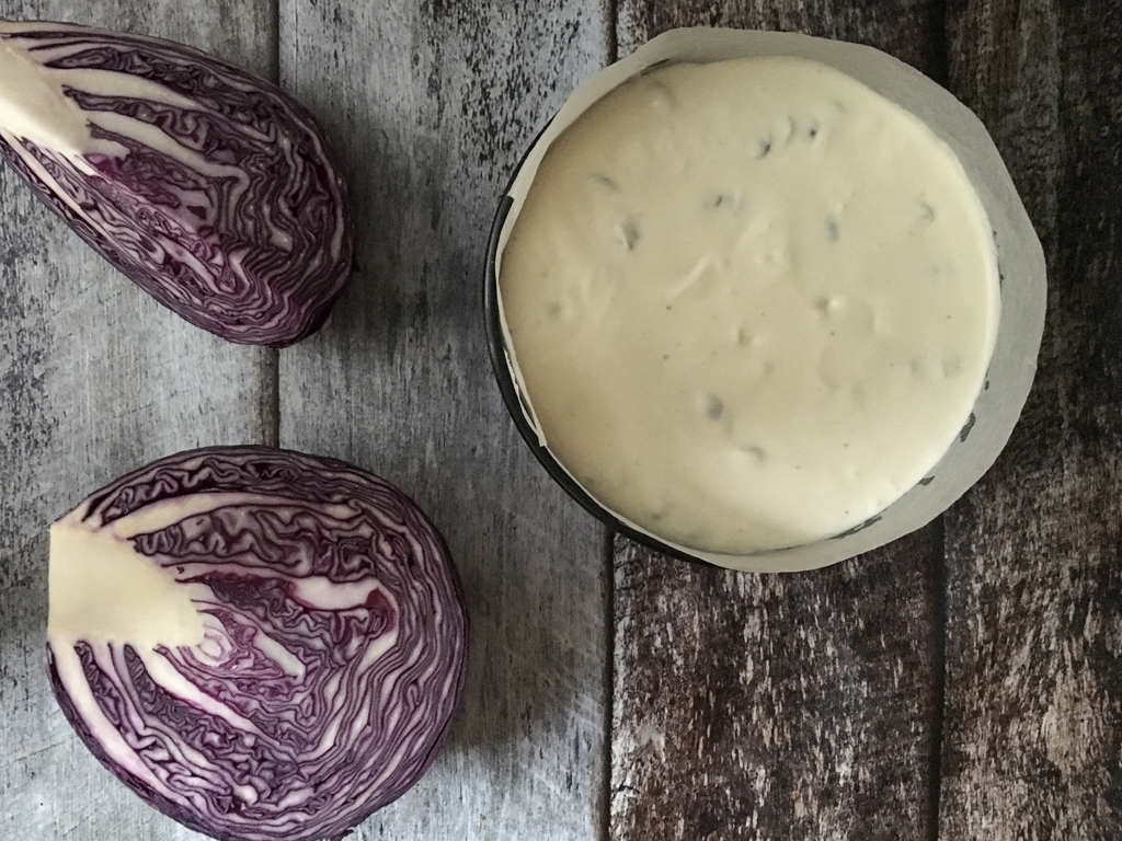 cheesecake salata con semi di zucca e cavolo rosso glassato glassata infornare