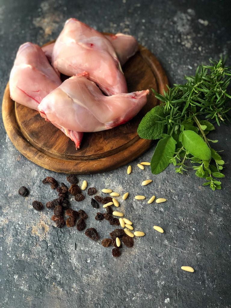 coniglio con uvetta e pinoli ingredienti