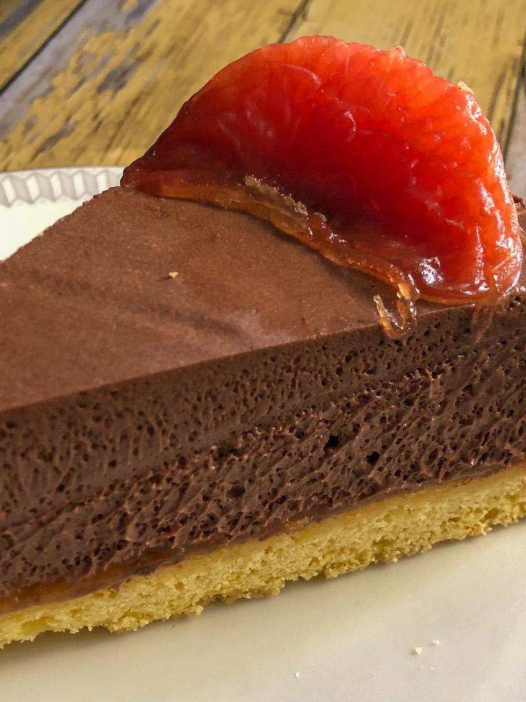 crostata al pompelmo rosa e mousse di cioccolato gourmama presentazione dettaglio_2