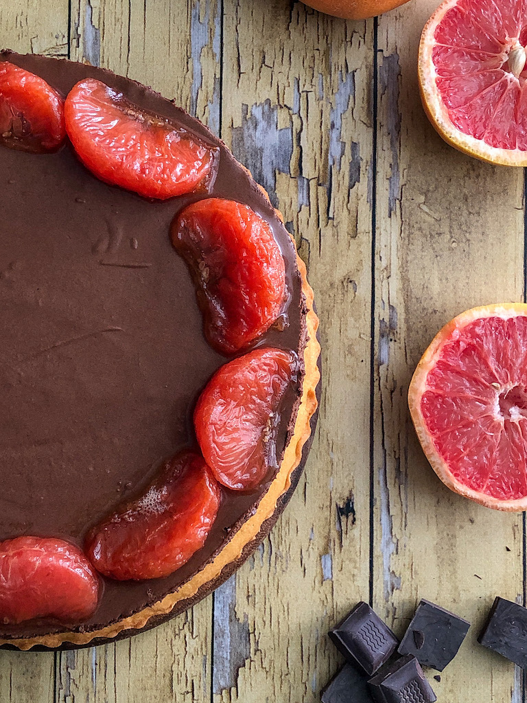crostata al pompelmo rosa e mousse di cioccolato gourmama presentazione_13