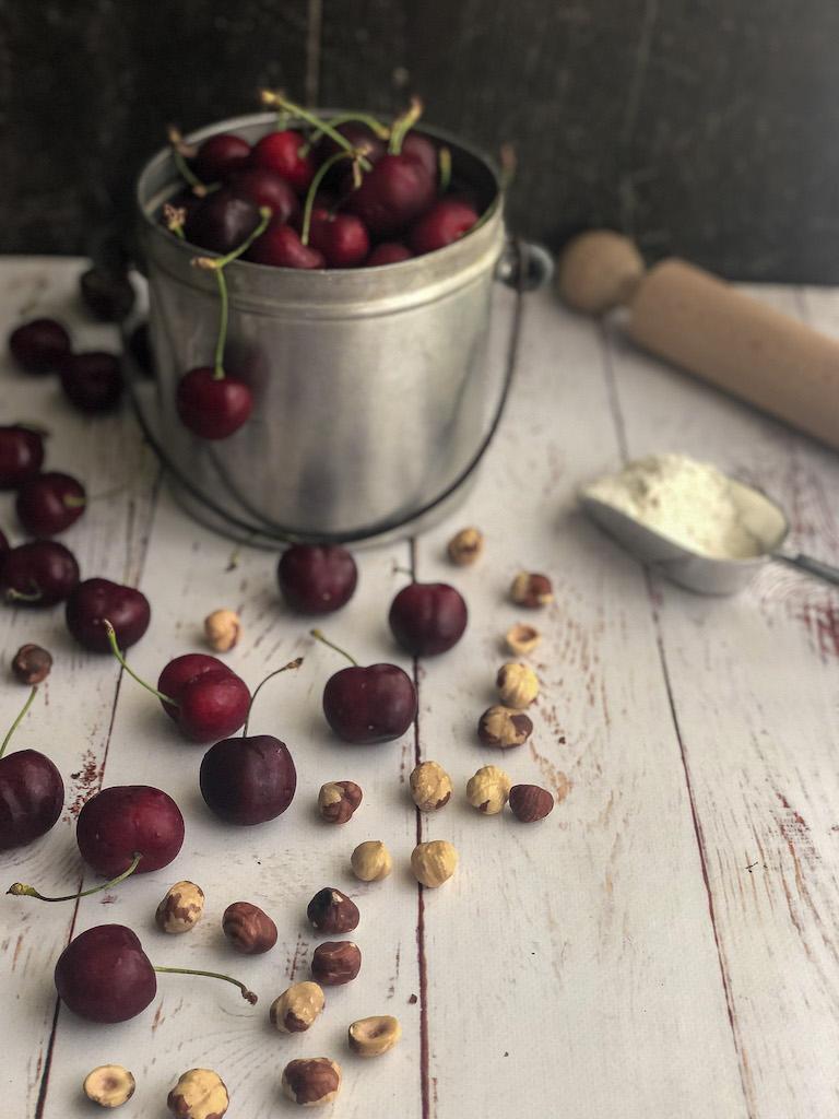 crostata alle ciliegie e nocciole ingredienti_1