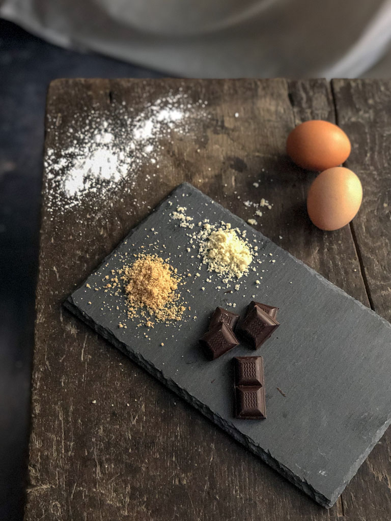 macarons al cioccolato nocciole e crema gianduia ingredienti