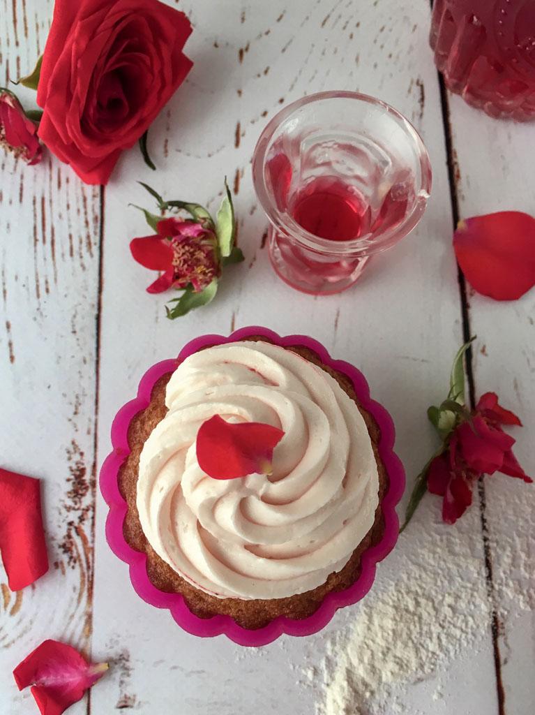 mini cupcakes alla rosa di urvashi roe presentazione dettaglio_1