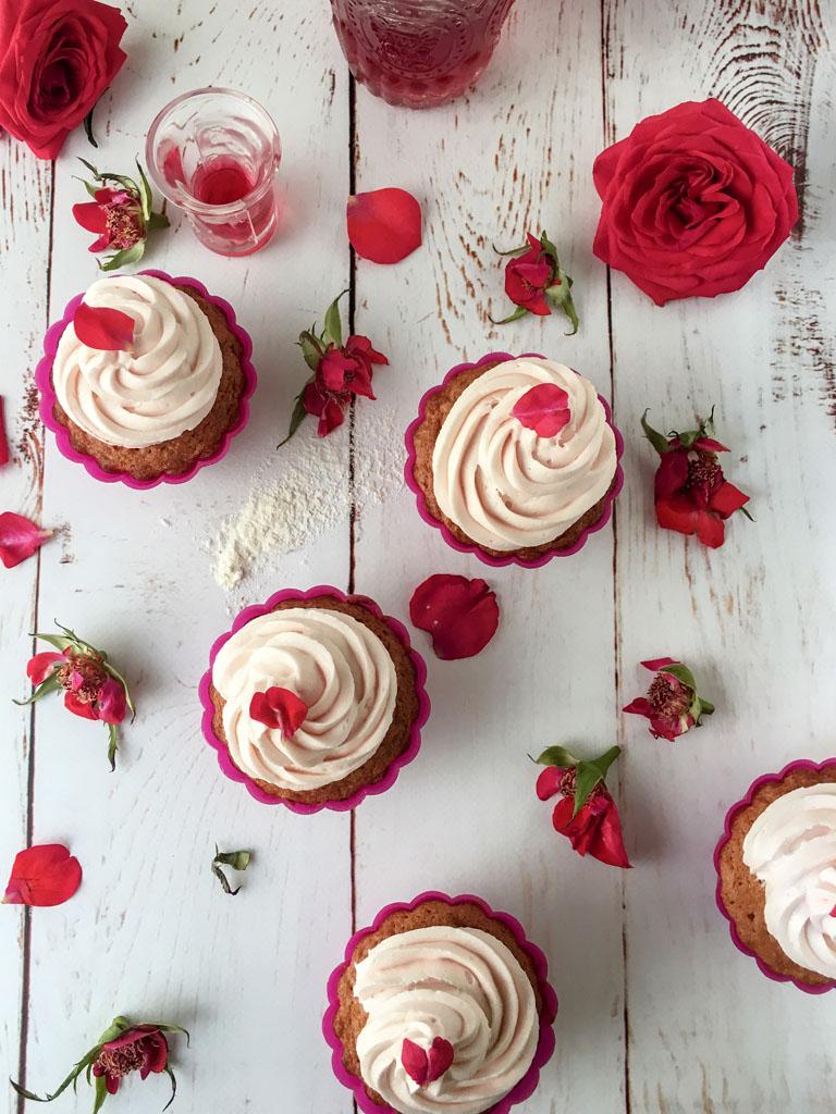 mini cupcakes alla rosa di urvashi roe presentazione