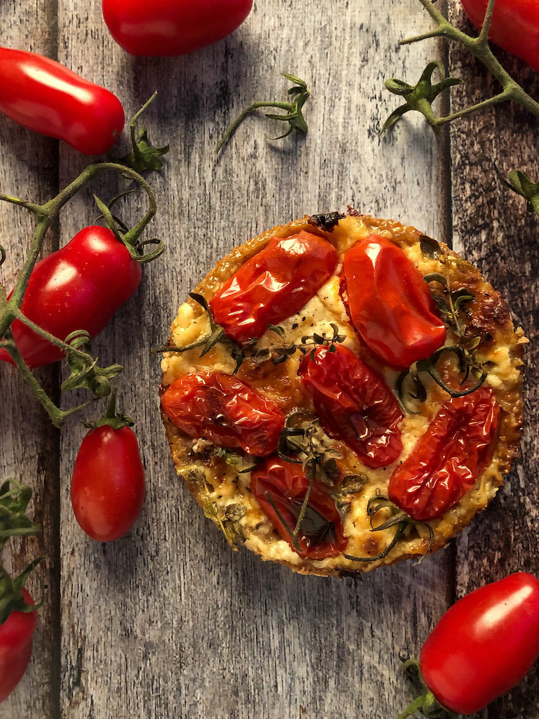 mini quiche ai pomodori datterini stracciatella maggiorana presentazione_2