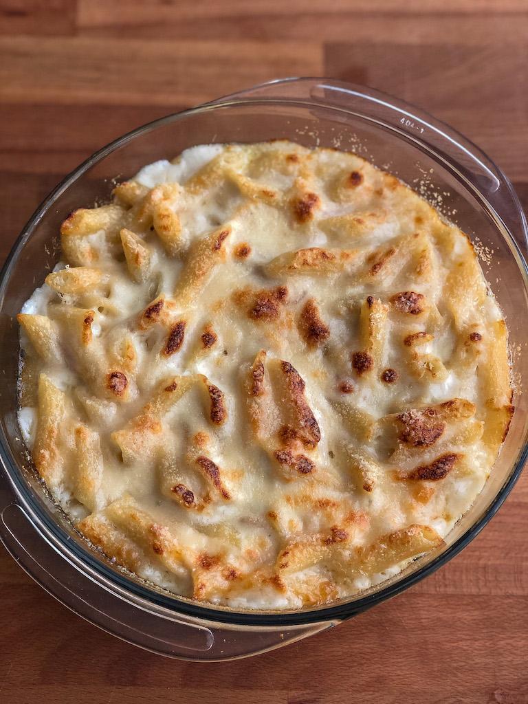 penne al forno con formaggio e besciamella presentazione