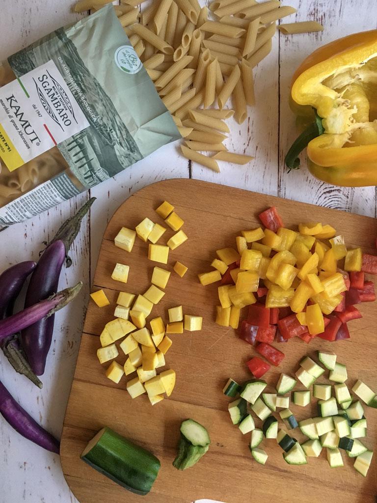 penne di grano khorasan kamut con verdure e fatulì taglio verdure gourmama