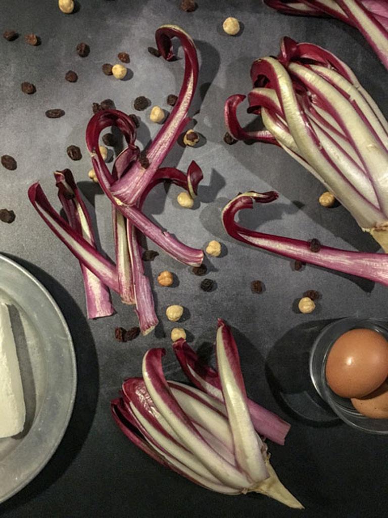 quiche al radicchio di treviso nocciole uvetta caprino ingredienti_2