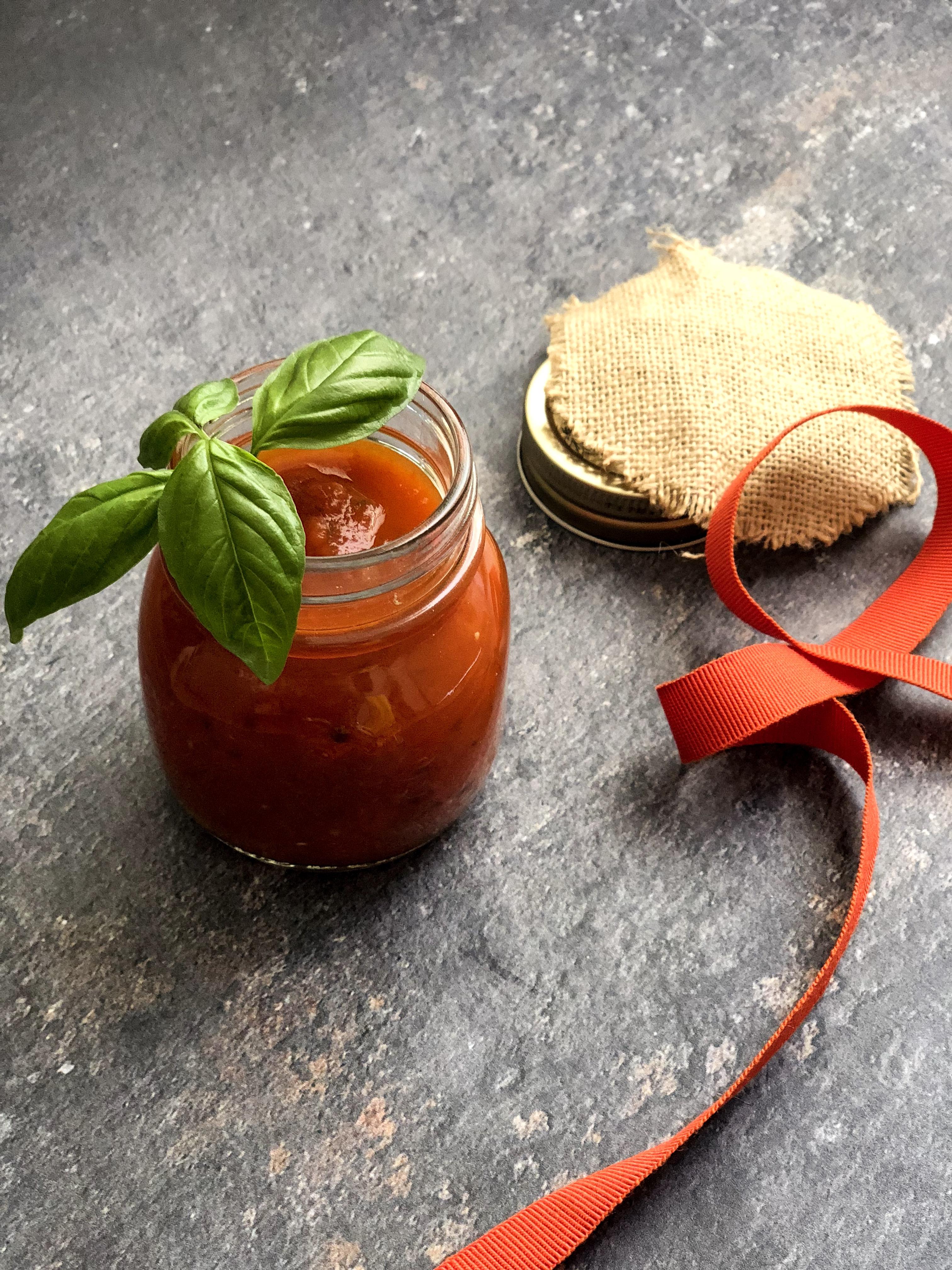 salsa di pomodori di nonno mario gourmama presemtazione