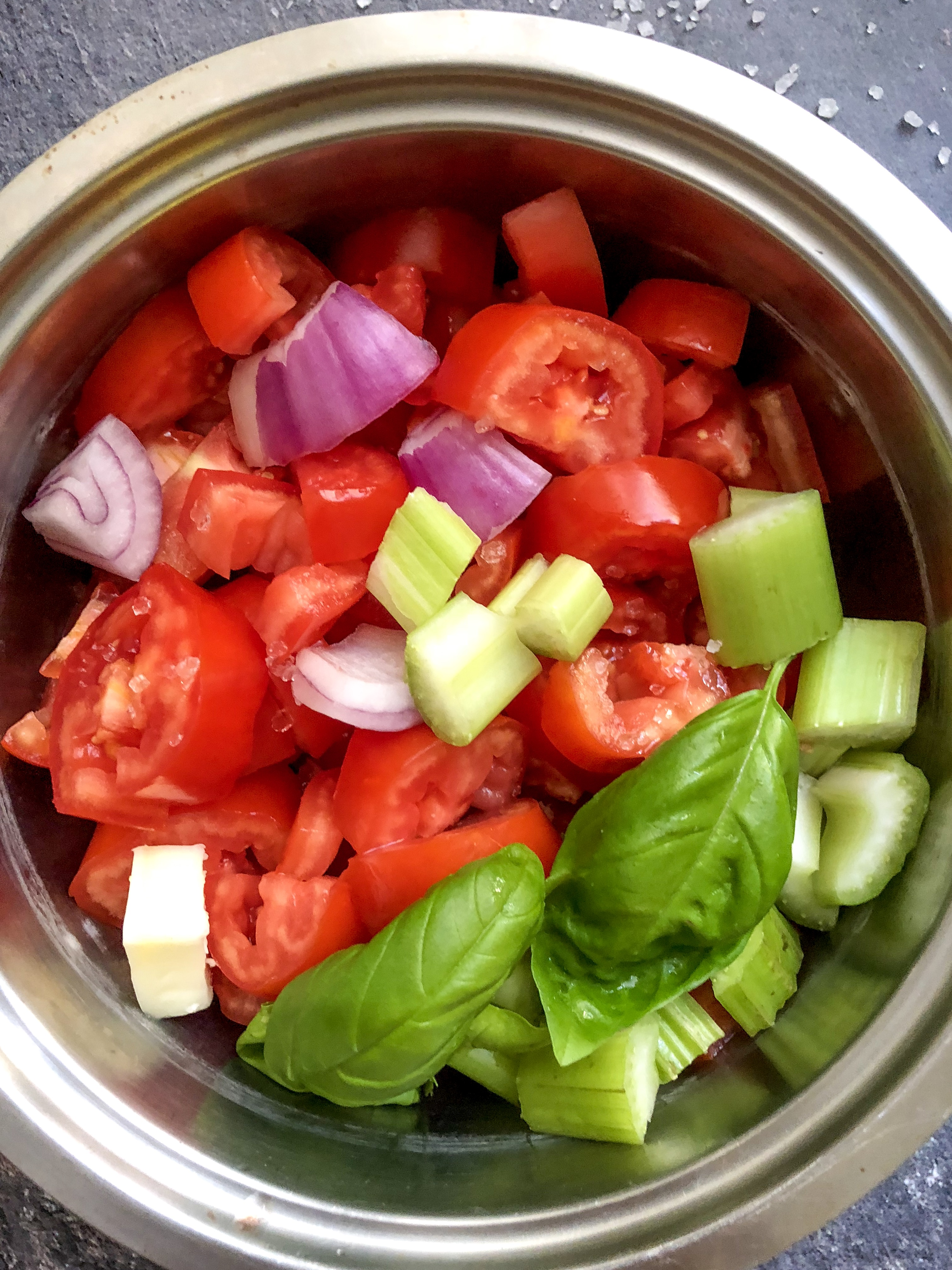 salsa di pomodori di nonno mario gourmama taglio verdure