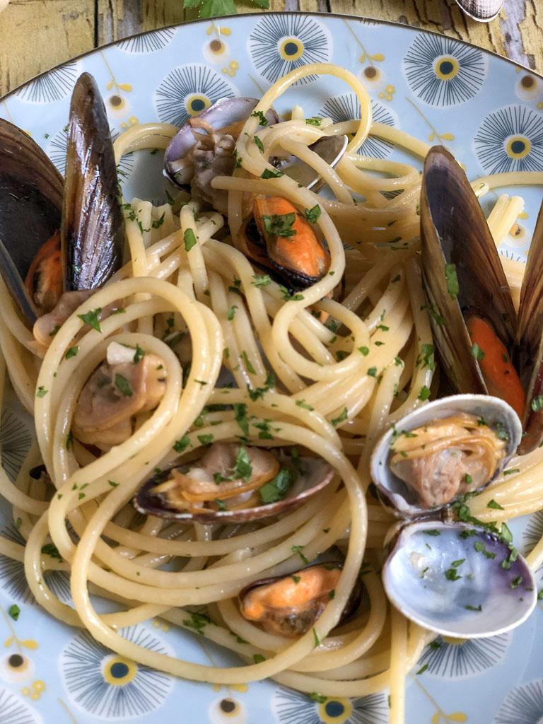 spaghetti alle cozze e vongole presentazione dettaglio