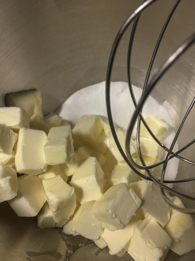 sri lankan butter cake montaggio burro