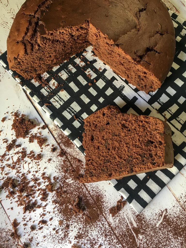 torta al cioccolato gourmama presentazione con fetta_2