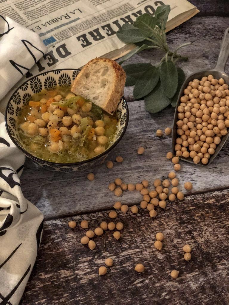 zuppa di ceci con verdurine presentazione_4