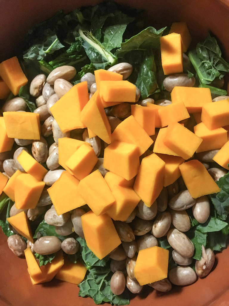 zuppa di fagioli zucca cavolo nero cottura verdure