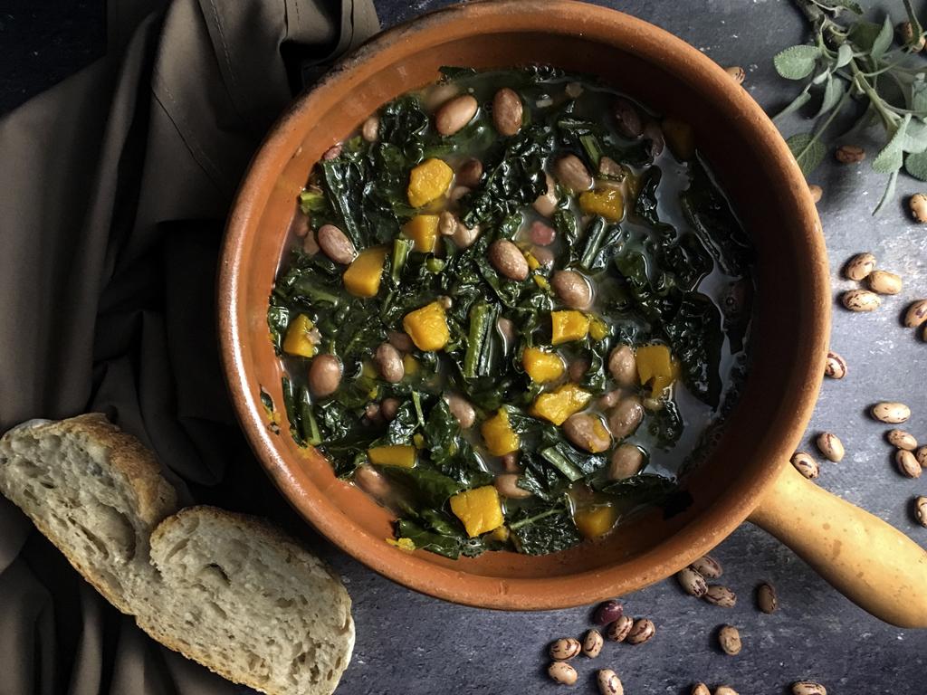 zuppa di fagioli zucca cavolo nero presentazione