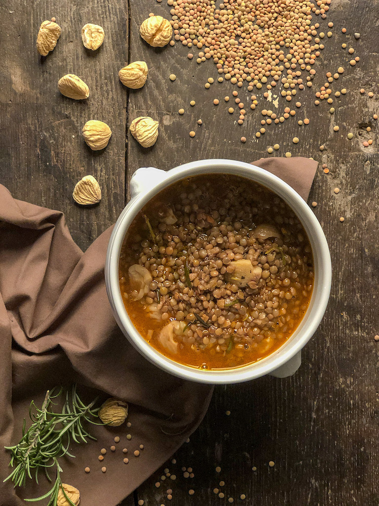 zuppa di lenticchie e castagne ingredienti presentazione